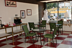 Sweet Valley Bakery adds table service