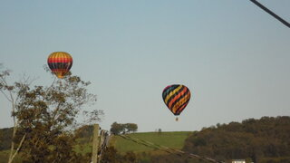 Some low floating Hot air balloons prt1