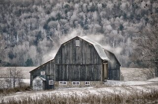 Blustery Winter Barn!