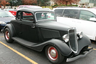 Antique Cars make stop in Oneonta