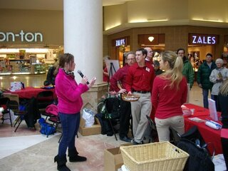 Weis Healthy Heart Day-Oakdale Mall