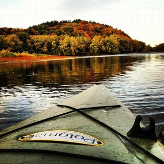 Fall is the best time to Kayak