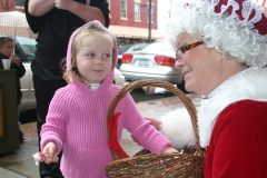Rilee meets Mrs. Claus