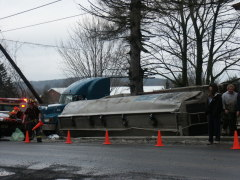 TANKER ROLLOVER IN WHITNEY POINT
