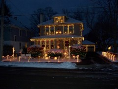 CHRISTMAS LIGHTS ON KIRKWOOD AVE IN PORT DICKINSON NY