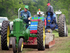 Tractor Pull & Runners Smithville Flats