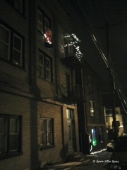 Santa's just hanging out on Oak Hill